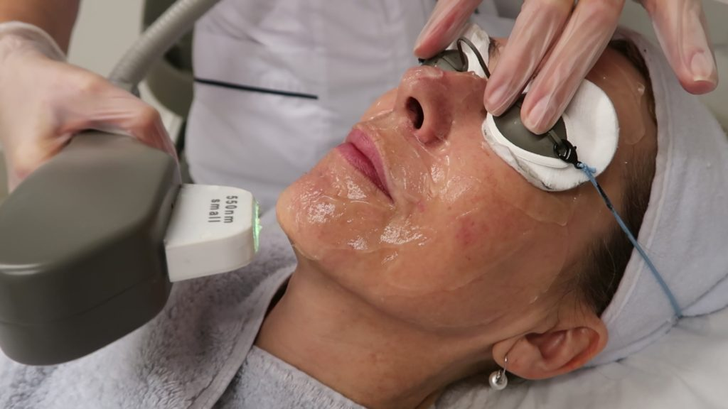 The Hollywood Facial – Quick Skin Rejuvenation